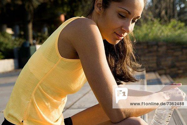 Stufe  Profil  Profile  sitzend  Frau  denken