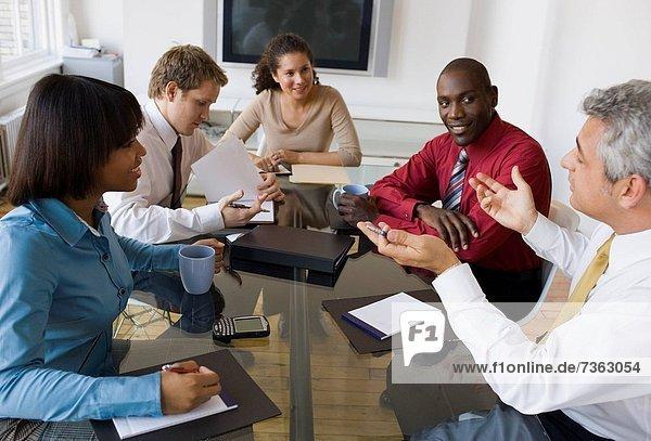 sitzend  5  Geschäftsbesprechung  Besuch  Treffen  trifft  Wirtschaftsperson  Business