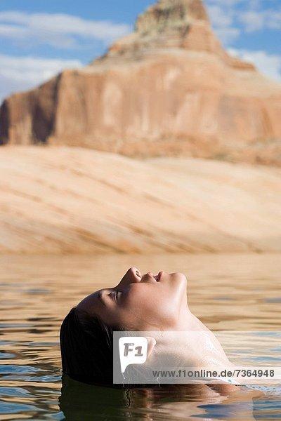 Wasser  Frau  jung  schwimmen