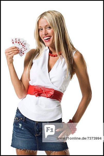 zeigen  Portrait  Frau  lächeln  Karte  jung  spielen