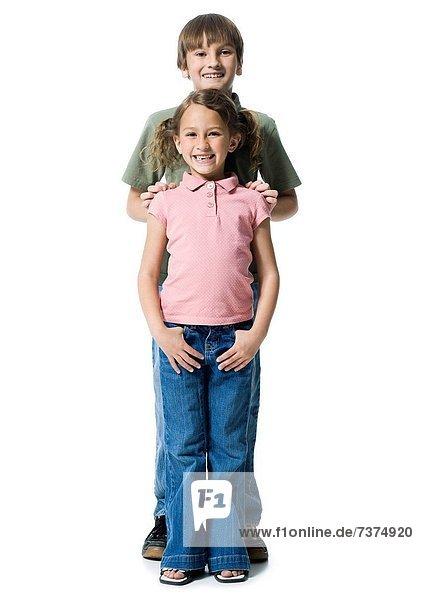stehend  Portrait  Junge - Person  Schwester