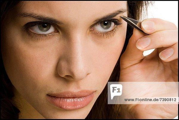 Frau  Close-up  close-ups  close up  close ups  Augenbraue  Augenbrauen zupfen  Augenbrauen entfernen