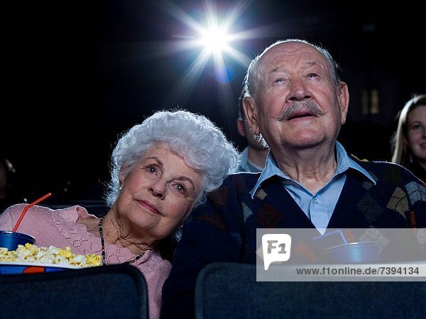 Frau , Mann , sehen , lächeln , Film , Theatergebäude,  Theater