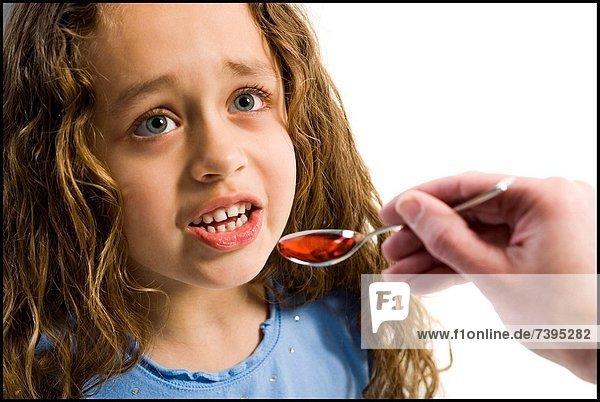 nehmen  Gesundheitspflege  jung  Löffel  Mädchen