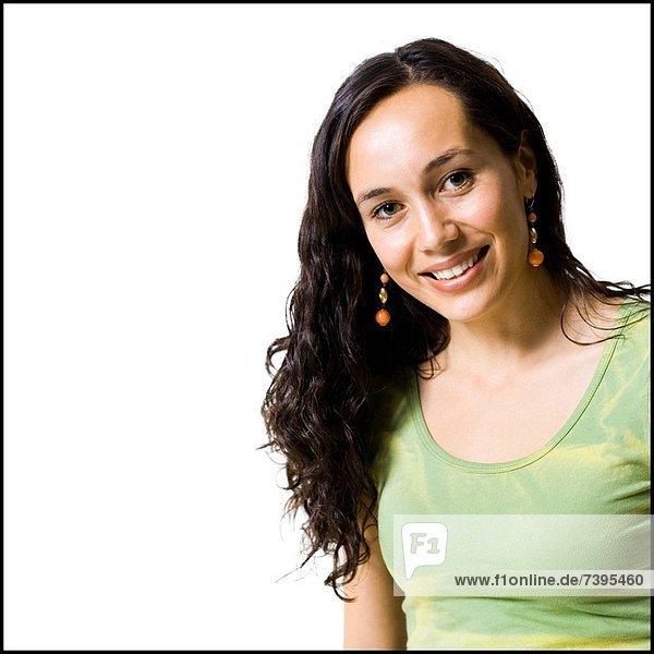 Frau lächelnd und posieren