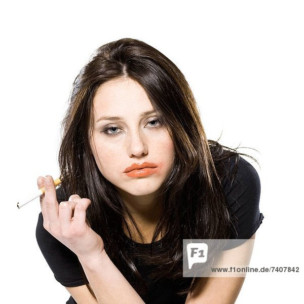 rauchen  rauchend  raucht  qualm  qualmend  qualmt  Frau  Zigarette