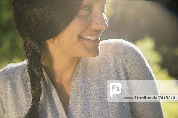 Lächelnd Außenaufnahme Frau