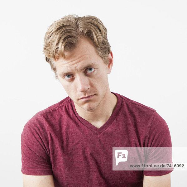 Portrait  Mann  sehen  Depression  Blick in die Kamera