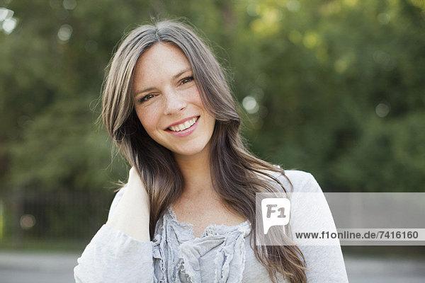 Portrait  Frau  frontal  Mittelpunkt  Ansicht  Erwachsener