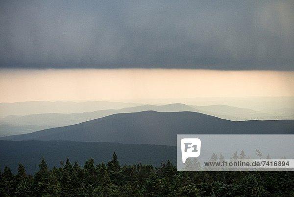 Berg  über  Sturm  Vermont