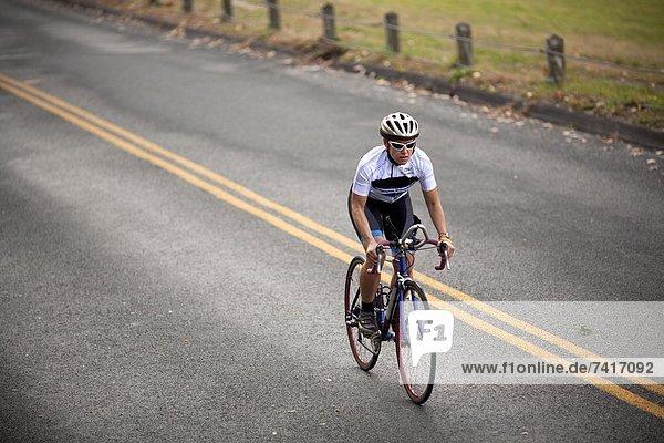 Hügel fahren Fahrradfahrer stampfen klettern mitfahren