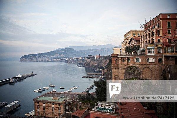 Felsen  umarmen  Steilküste  Ignoranz  Bucht  Italien  Neapel
