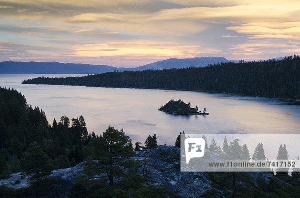 Wolke  Sonnenuntergang  über  dramatisch  See  Kalifornien  Bucht  Smaragd
