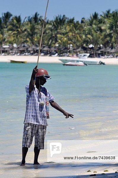 Helm  Mann  Strand  Hut  angeln  Kleidung  Motorrad  Stute  Mauritius