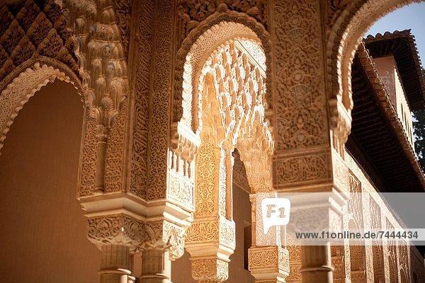 Säule Andalusien Alhambra Granada Spanien