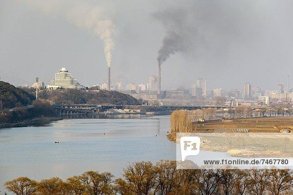 Elevated view towards the Pyongyang skyline  Democratic People's Republic of Korea (DPRK)  North Korea  Asia