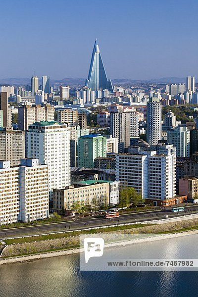 Elevated city skyline including the Ryugyong hotel and Taedong River  Pyongyang  Democratic People's Republic of Korea (DPRK)  North Korea  Asia
