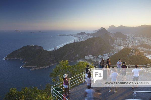 Berg  Brotlaib  Tourist  Zucker  Brasilien  Rio de Janeiro  Südamerika