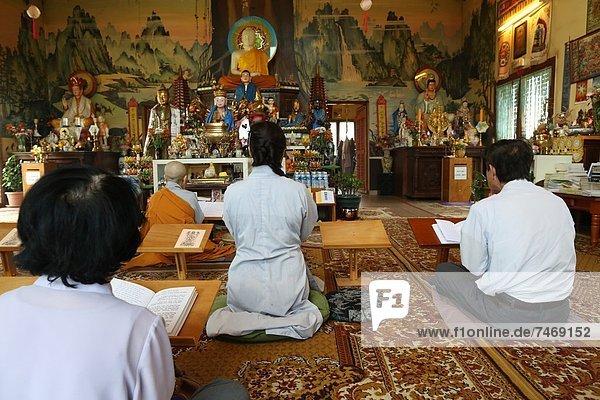 Frankreich  Europa  Zeremonie  fünfstöckig  Buddhismus  Haute-Savoie