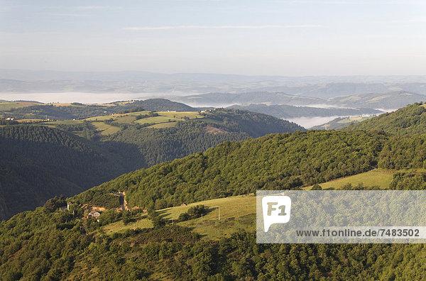 Tarn-Tal in der Nähe von Le Truel  Aveyron  Midi Pyrenees  Frankreich  Europa