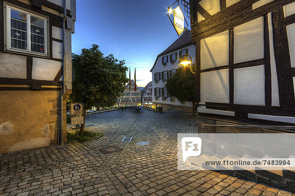 Europa Gebäude Quadrat Quadrate quadratisch quadratisches quadratischer Baden-Württemberg Deutschland Hälfte Markt