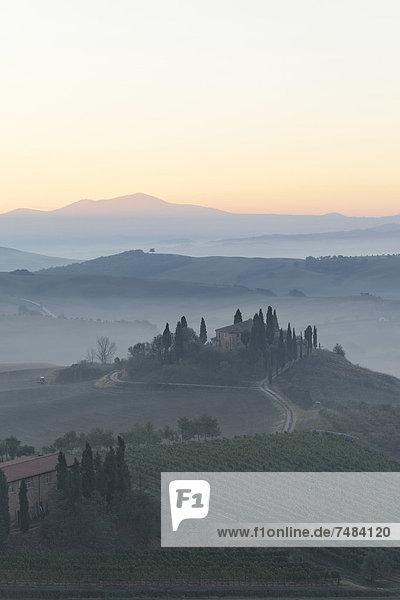 Europa Italien UNESCO-Welterbe Morgenstimmung Provinz Siena
