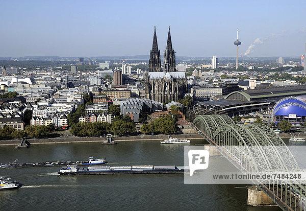 Cologne Cathedral  Deutz Bridge  telecommunications tower  Cologne  North Rhine-Westphalia  Germany  Europe