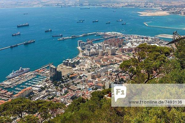Felsbrocken Hafen über hoch oben Ansicht Gibraltar