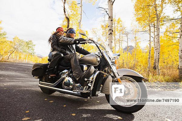 Europäer  fahren  Motorrad