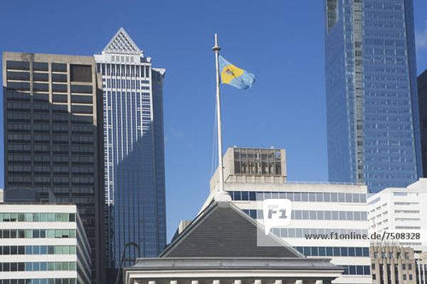 Vereinigte Staaten von Amerika  USA  Hochhaus  hoch  oben  Fahne  Ansicht  Pennsylvania  Philadelphia