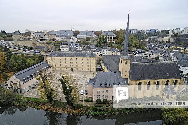 Abtei Neumünster  Kirche  Kloster  Kulturzentrum  Tal der Alzette  Fluss  Luxemburg  Europa  ÖffentlicherGrund