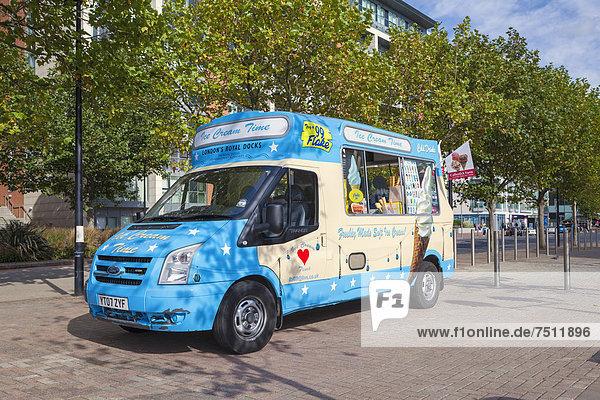 Eiswagen an den London Royal Docks  London  England  Großbritannien  Europa