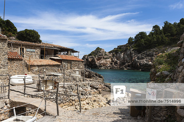 Fishing village and hidden cove of Cala Dei‡  Dei‡  Serra de Tramuntana  northwest coast  Mallorca  Balearic Islands  Mediterranean Sea  Spain  Europe