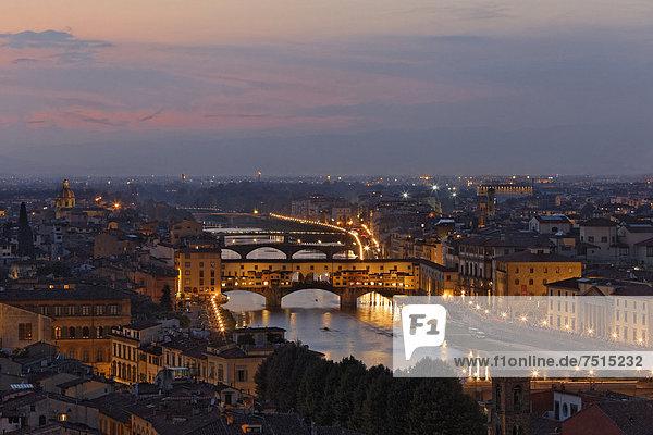 Europa Stadt Brücke Ignoranz Fluss Arno Florenz Italien alt Toskana