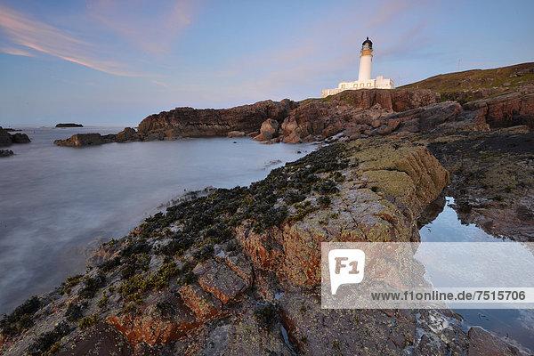 Abendlicher Ausblick auf den Atlantik vom Leuchtturm Rua Reidh Lighthouse  Melvaig  Gairloch  Wester Ross  Schottland  Großbritannien  Europa