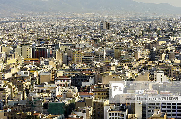 Blick von der Akropolis auf die Stadt  Athen  Griechenland  Europa