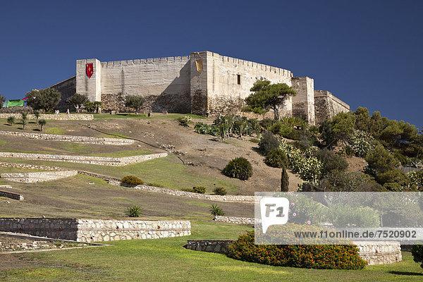 Die Burg Castillo de Sohail,  Fuengirola,  Costa del Sol,  Andalusien,  Spanien,  Europa,  ÖffentlicherGrund