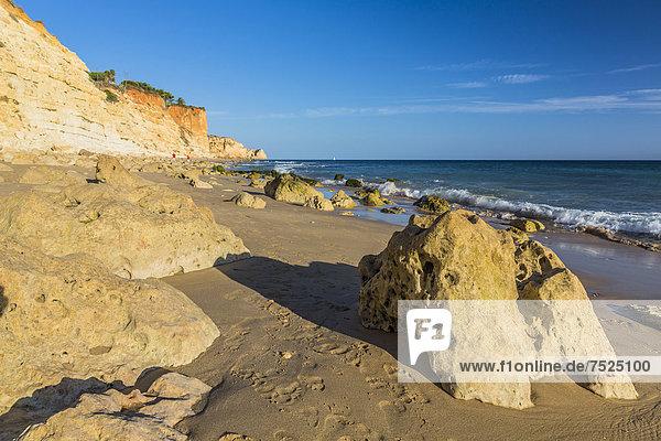 Strand  Praia do Porto de MÛs  Atlantik  Algarve  Portugal  Europa