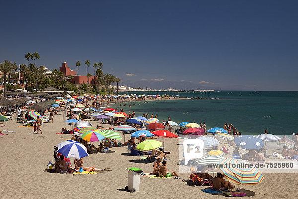 Europa Palast Schloß Schlösser Strand beschäftigt Andalusien Spanien