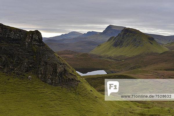Vulkanlandschaft  Loch Leum na Luirginn  Flodigarry  The Table  Highlands  Isle of Skye  Schottland  Vereinigtes Königreich  Europa