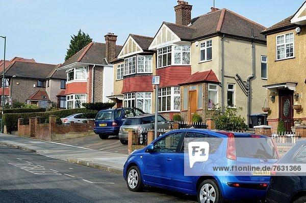 Häuser in Parkside  Dollis Hill NW2  London  Großbritannien