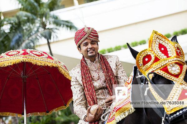 Bräutigam  Hochzeit  Indianer  reiten - Pferd  Prozession