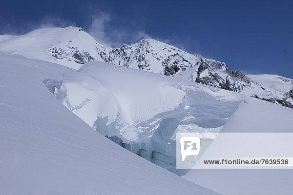 Landschaftlich schön landschaftlich reizvoll Europa Berg Winter Landschaft Eis Gletscher Moräne Schweiz Aletschgletscher