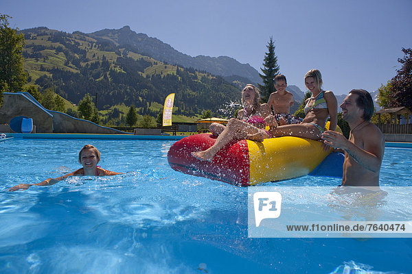 Freibad baden schwimmen Schwimmbad