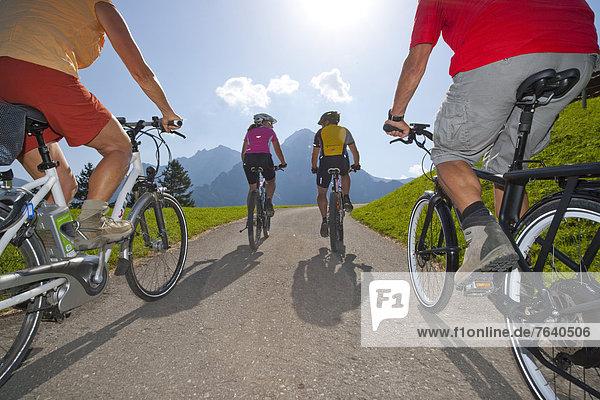 Frau Mann Fahrrad Rad Elektrofahrrad Elektrofahrrad Ebike Fahrrad fahren