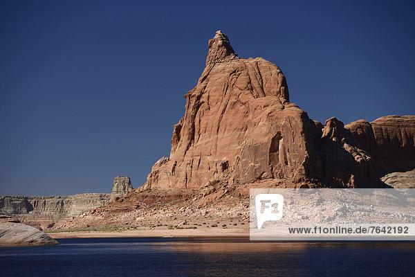 Vereinigte Staaten von Amerika  USA  Amerika  Steilküste  See  Nordamerika  Arizona  Süden  Lake Powell  Glen Canyon  Page  Sandstein