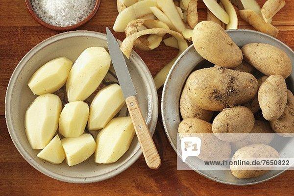 Kartoffeln  geschält und ungeschält