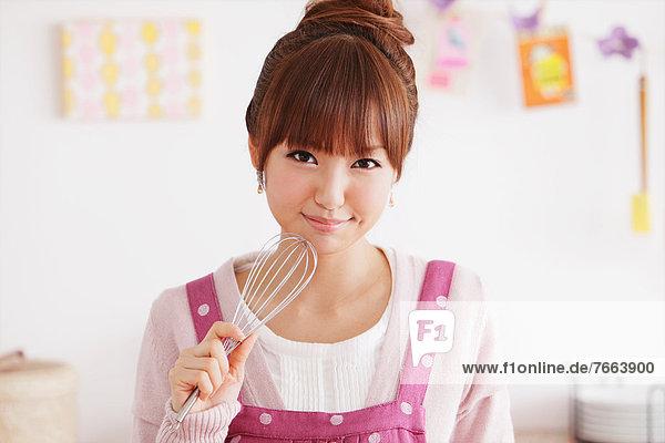 junge Frau junge Frauen Küche