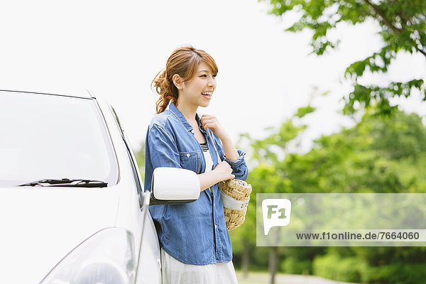 Frau  lächeln  Auto