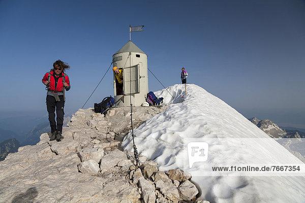 Triglav-Gipfel mit dem Aljazev stolp  Aljaz-Turm  Nationalpark Triglav  Slowenien  Europa